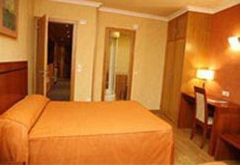 Hotel HHB Pontevedra Confort - фото 9