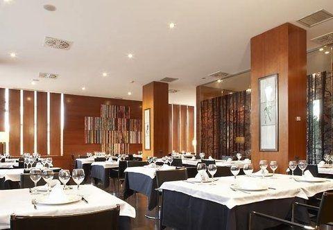 AC Hotel Ponferrada, a Marriott Lifestyle Hotel - фото 12