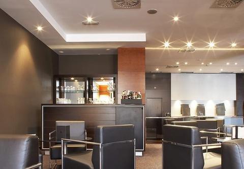AC Hotel Ponferrada, a Marriott Lifestyle Hotel - фото 17