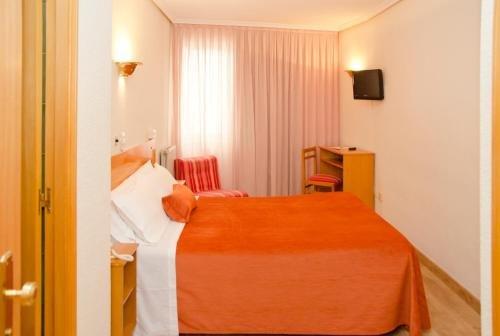Hotel Colon 27 - фото 2
