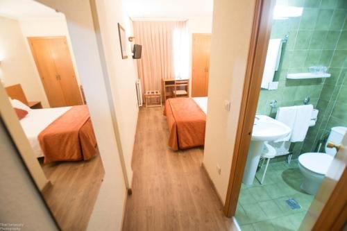 Hotel Colon 27 - фото 4