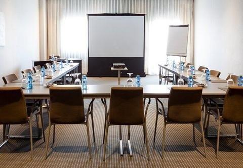 AC Hotel Oviedo Forum, a Marriott Lifestyle Hotel - фото 16