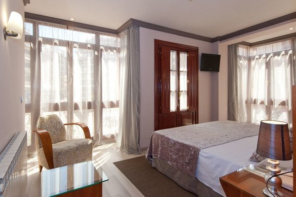 Hotel Vetusta - фото 2