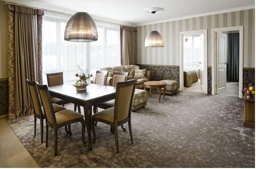 Ursula Royal Apartments - фото 14