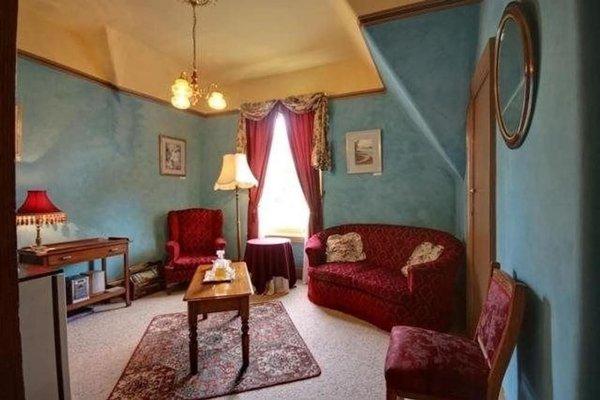 Westella Colonial B&B Accommodation - фото 8