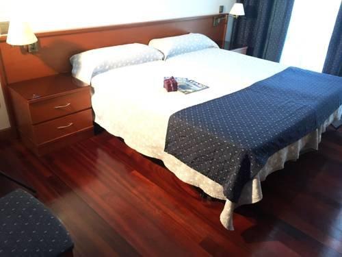 Hotel Nueva Plaza - фото 4
