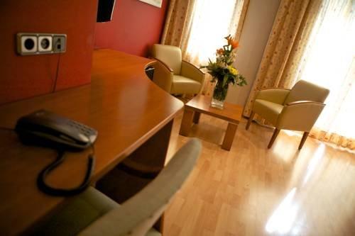 Hotel Jardi Suites-Apartaments - фото 18