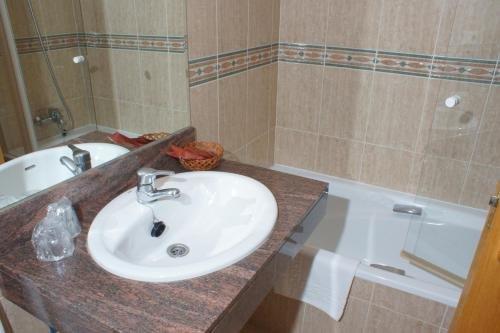 Hotel Achuri - фото 9