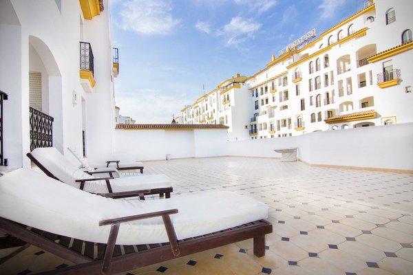 Park Plaza Suites Apartamentos - фото 1