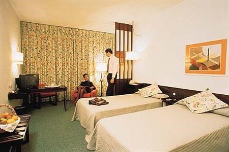 Tryp Valencia Azafata Hotel - фото 1