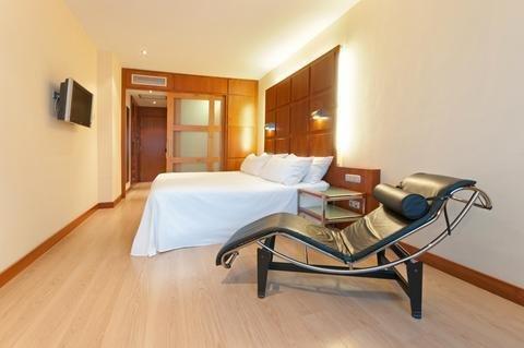Tryp Valencia Azafata Hotel - фото 2