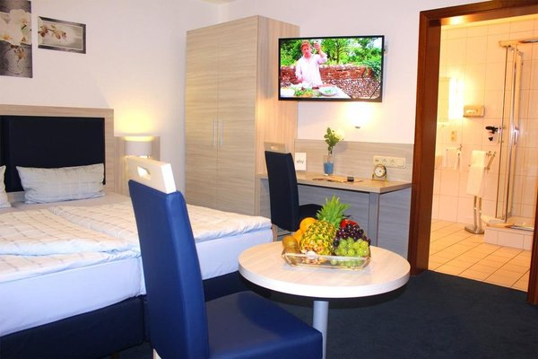 Hotel Altenwerder Hof - фото 1