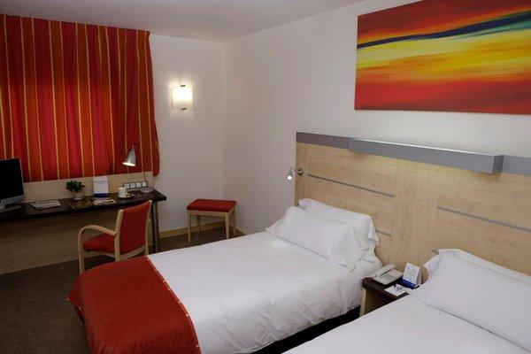Holiday Inn Express Malaga Airport - фото 4