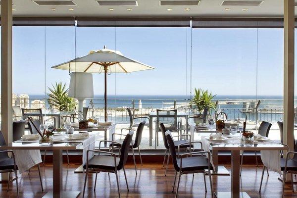 AC Hotel Malaga Palacio, a Marriott Lifestyle Hotel - фото 10