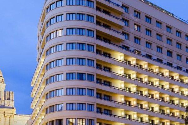 AC Hotel Malaga Palacio, a Marriott Lifestyle Hotel - фото 19