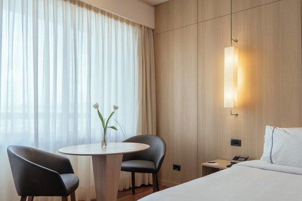 AC Hotel Malaga Palacio, a Marriott Lifestyle Hotel - фото 2