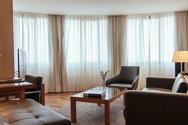 AC Hotel Malaga Palacio, a Marriott Lifestyle Hotel - фото 5