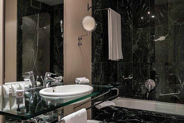 AC Hotel Malaga Palacio, a Marriott Lifestyle Hotel - фото 8
