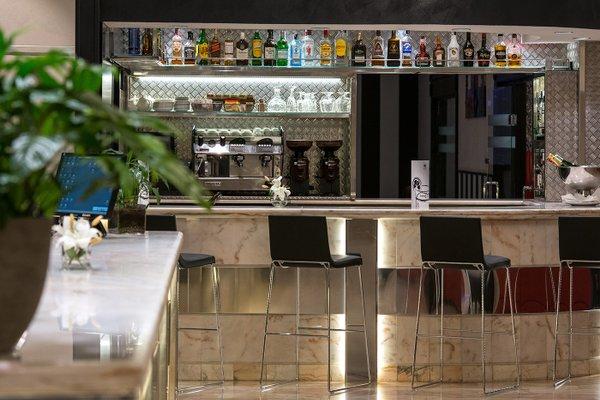 Salles Hotel Malaga Centro - фото 10