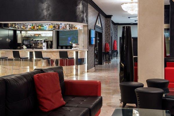 Salles Hotel Malaga Centro - фото 11