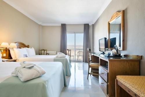 Tryp Malaga Guadalmar Hotel - фото 2