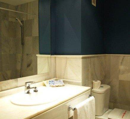Atarazanas Malaga Boutique Hotel - фото 8