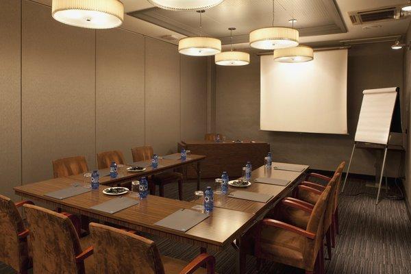 AC Hotel Carlton Madrid, a Marriott Lifestyle Hotel - фото 15