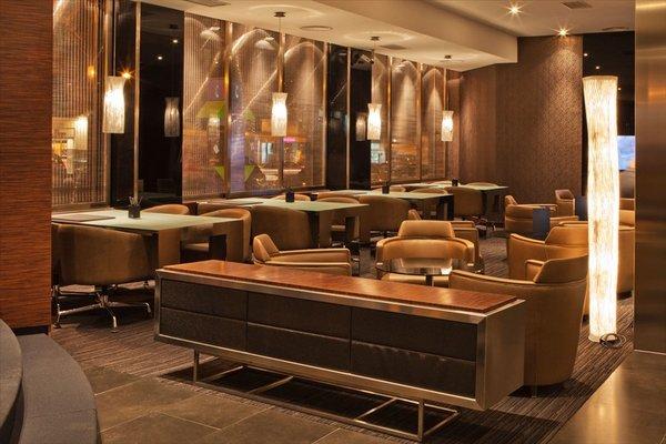 AC Hotel Carlton Madrid, a Marriott Lifestyle Hotel - фото 7