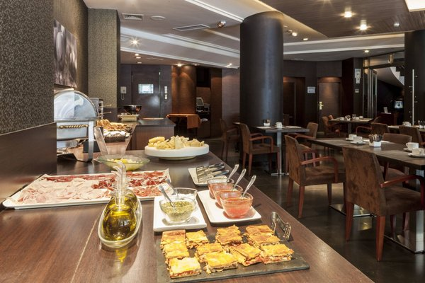 AC Hotel Carlton Madrid, a Marriott Lifestyle Hotel - фото 9