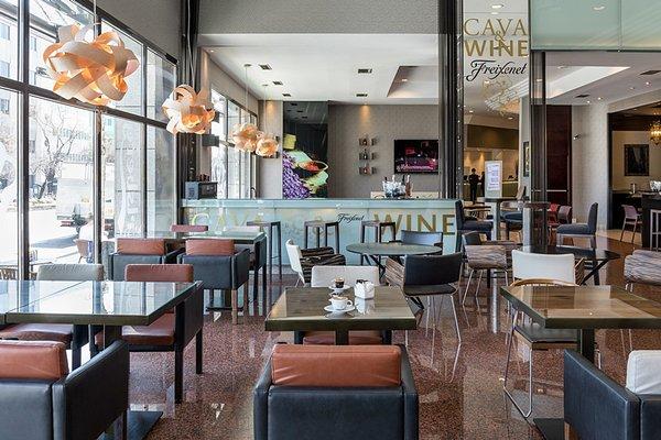 Отель Rafaelhoteles Atocha - фото 12