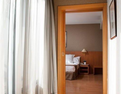 Отель Catalonia Gran Via - фото 4