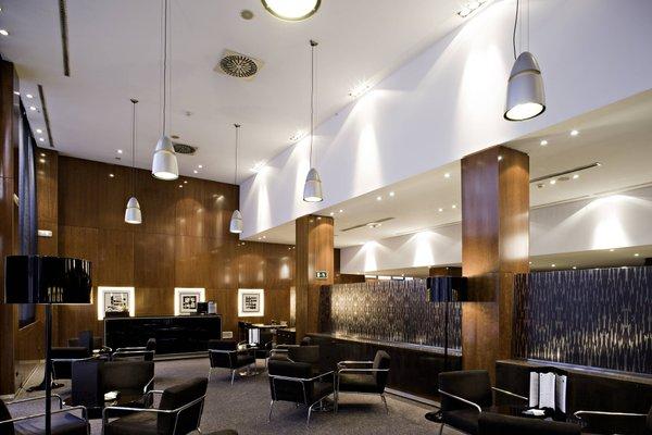 AC Hotel Avenida de America, a Marriott Lifestyle Hotel - фото 11