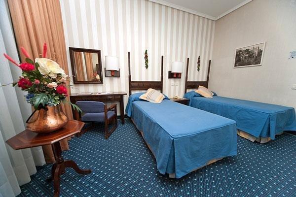 Hotel Puerta de Toledo - фото 2
