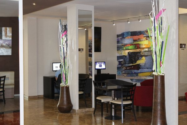 Hotel Puerta de Toledo - фото 6