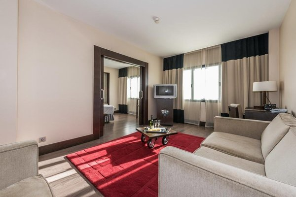 Hotel Mercader - фото 4