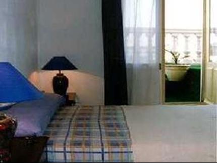 Gay Hostal Puerta del Sol Madrid - фото 1