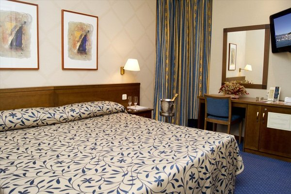 Hotel Villamadrid - фото 1