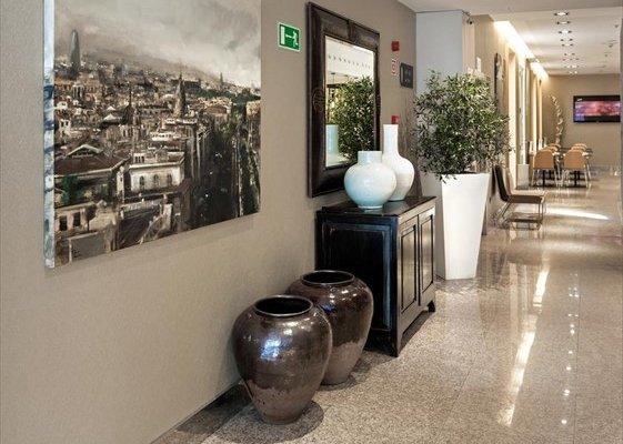 Отель Catalonia Plaza Mayor - фото 4