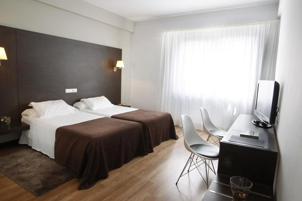 Hotel Mendez Nunez - фото 1
