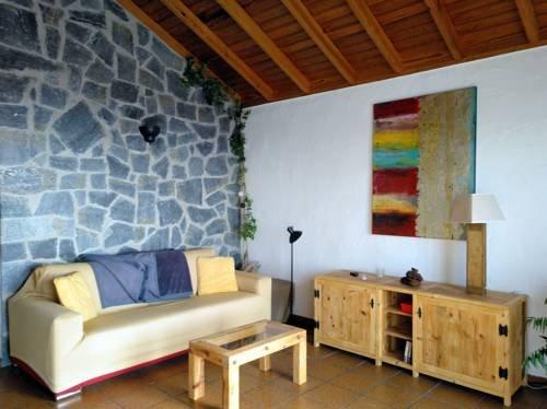 Apartamentos la Hacienda el Rancho - фото 4
