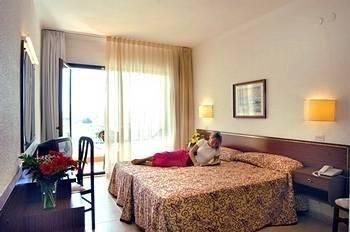 Evenia Olympic Suites - фото 1