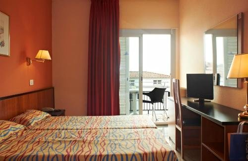 Hotel Copacabana - фото 2
