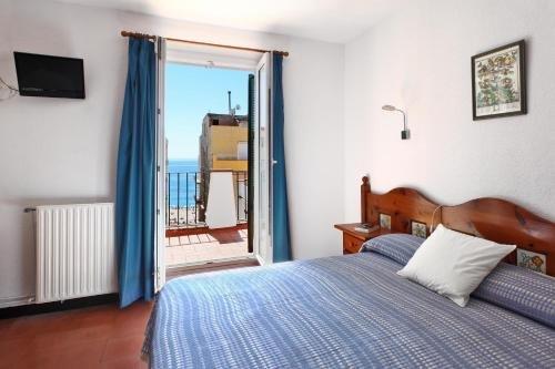 Hotel Caleta - фото 1