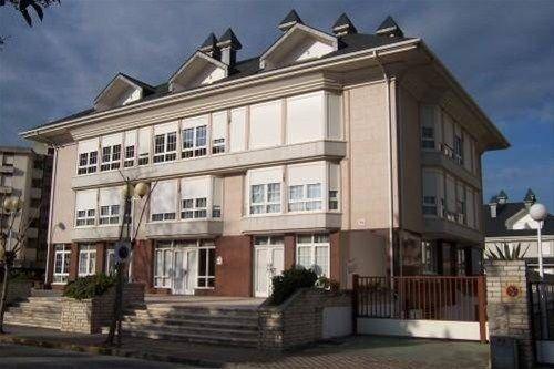 Los Granados Apartamentos, Ларедо