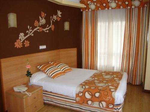 Hotel Almirante - фото 1