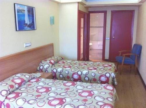 Hotel Almirante - фото 7