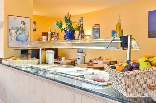 Hotel Cenit & Apts. Sol y Viento - фото 12