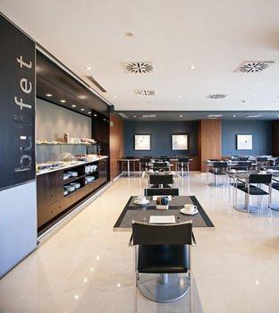 AC Hotel Huelva, a Marriott Lifestyle Hotel - фото 15