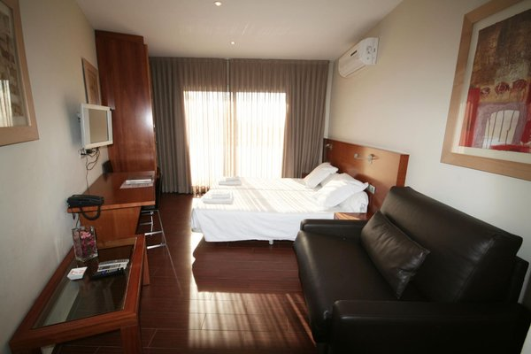 Apartamentos Turisticos Madanis - фото 2