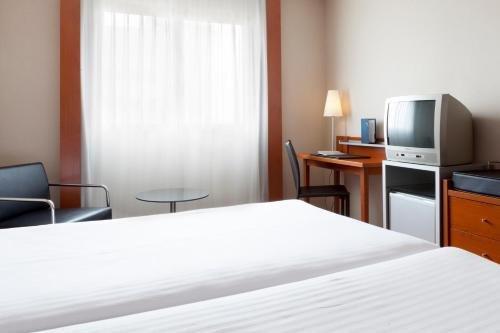 AC Hotel by Marriott Guadalajara, Spain - фото 50